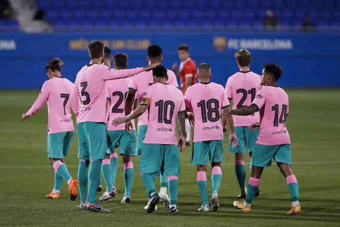 برشلونة يوافق على انتقال نجمه إلى الكالتشيو
