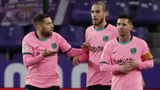 تدخل مفاجئ.. عملاق مدريد يخطف هدف برشلونة