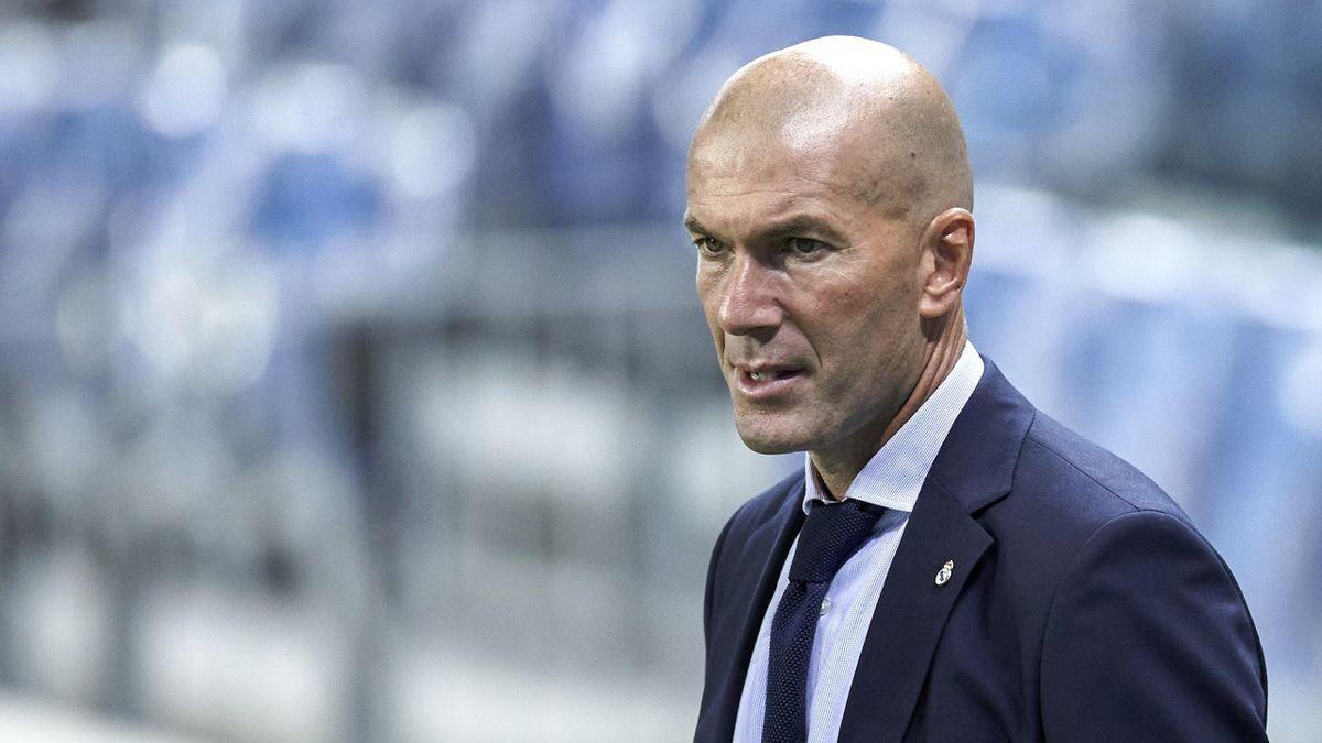 زيدان يوبخ لاعبي ريال مدريد بكلمات قاسية بعد التعادل مع أوساسونا