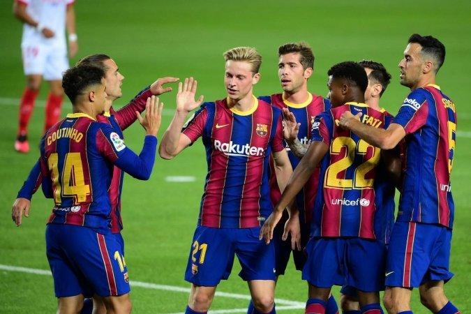 كومان يوافق على بيعه.. برشلونة يضع لاعبه في السوق بـ45 مليون