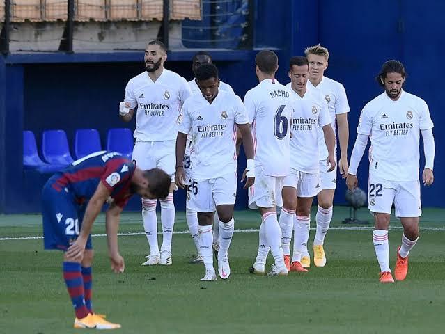 ريال مدريد يفقد نجميه في نصف نهائي السوبر الإسباني