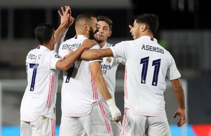 نجم ريال مدريد يفجر مفاجأة عن تجديد تعاقده مع الفريق