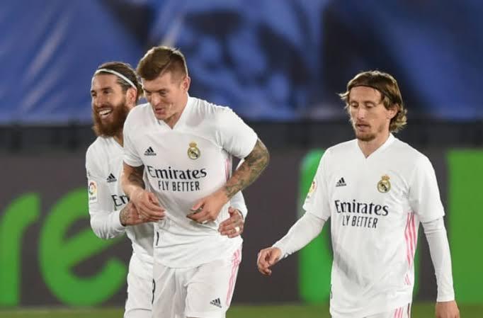وسط ترقب ثلاثة أندية … ريال مدريد يحسم مستقبل المنقذ