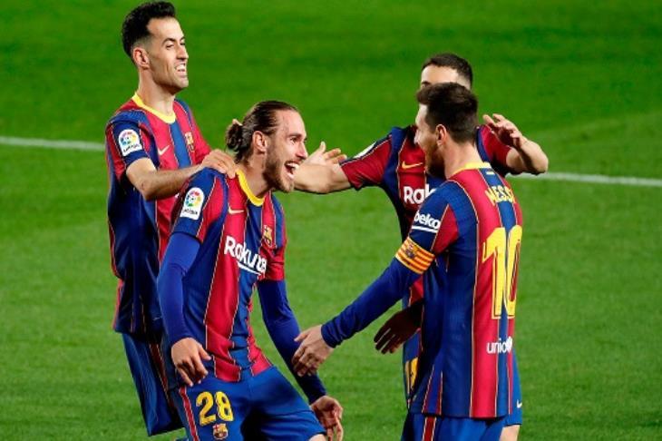 صدق أو لا تصدق.. برشلونة يطرح لاعبه الجديد للبيع