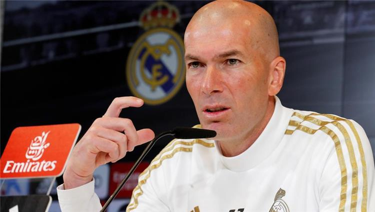 زيدان يستقر على رحيل لاعب مفاجئ من ريال مدريد