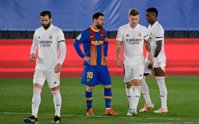 نجم ريال مدريد يحسم موقفه من الانتقال إلى برشلونة