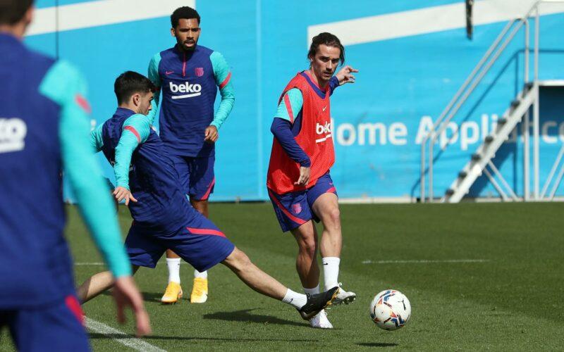 جماهير برشلونة توبخ نجم الفريق قبل مواجهة بلد الوليد