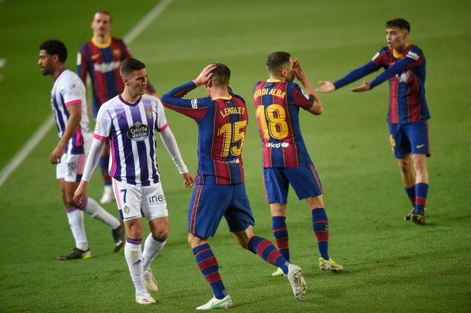الحكم أبلغني بذلك.. مدرب بلد الوليد ينفجر غضبا ضد برشلونة