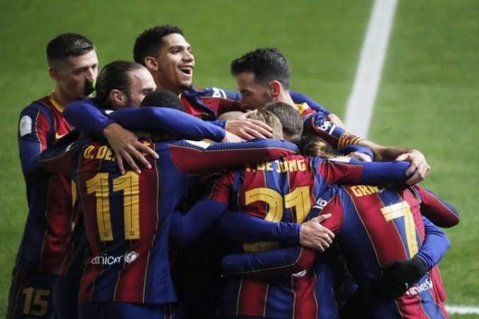 برشلونة يقترب من التجديد لثنائي القوة الضاربة