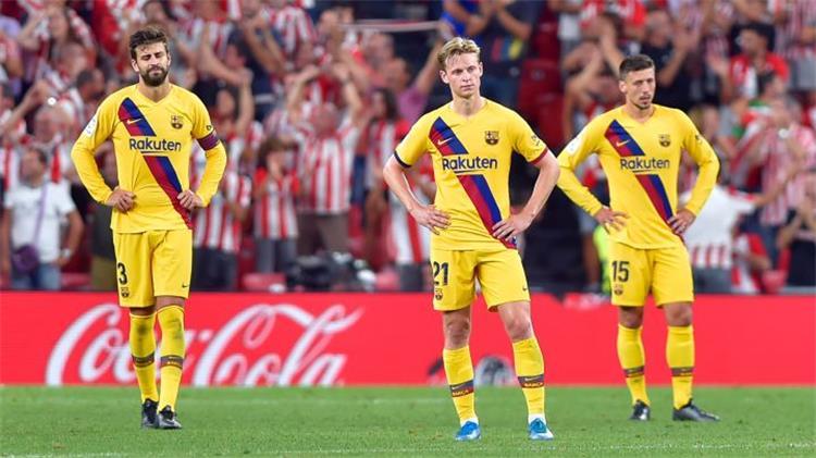 كومان في ورطة داخل برشلونة