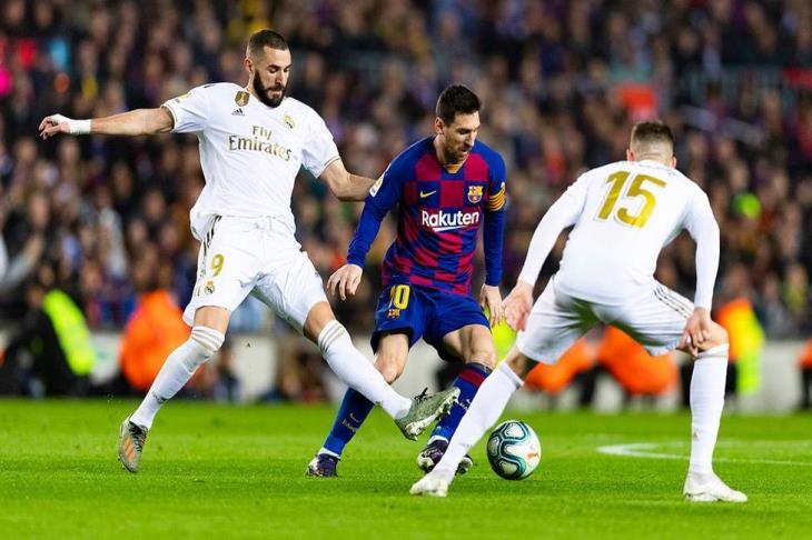 30 مليون + لاعب.. برشلونة يخطف صفقة من ريال مدريد