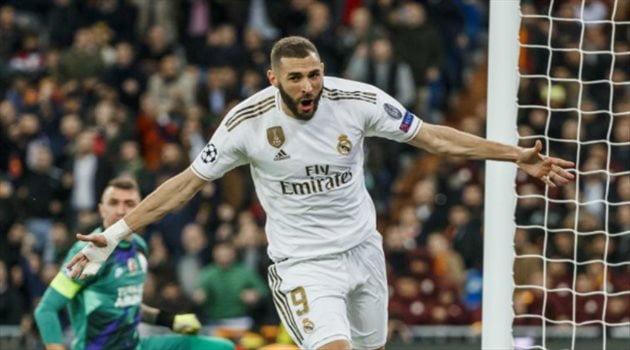 """بعد تألقه الكبير.. ريال مدريد يجهز """"مكافأة العمر"""" لكريم بنزيما"""