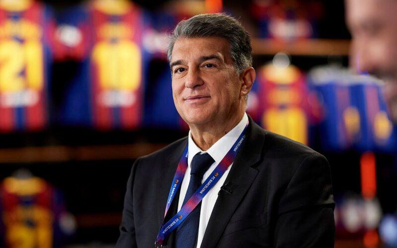 لابورتا يفجرها ويعلن عن صفقة جديدة لبرشلونة