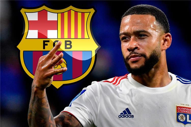 الكشف عن موعد تعاقد برشلونة مع ديباي
