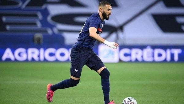 الكشف عن موعد عودة بنزيما لتدريبات فرنسا بعد إصابته أمام بلغاريا