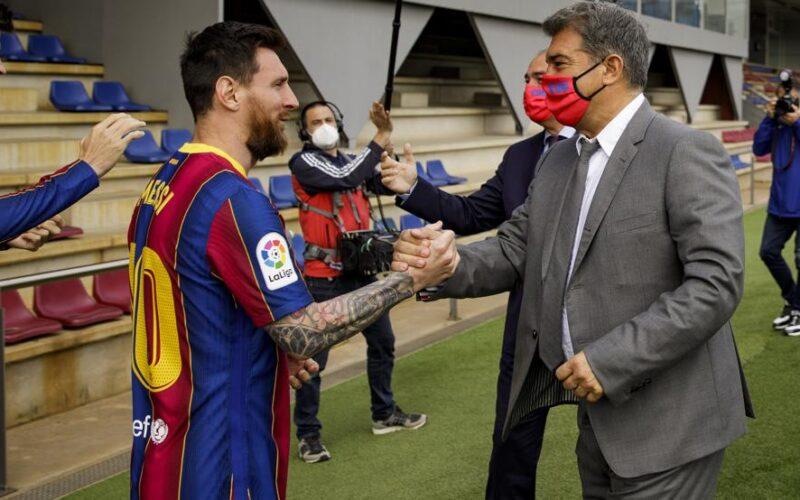 عقد أربعة سنوات .. تفاصيل عرض برشلونة الجديد للتجديد لميسي