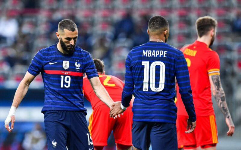 أول تعليق من بنزيمة بعد مشاركته الأولى مع المنتخب الفرنسي