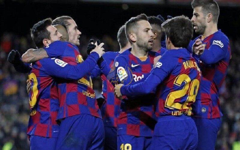 صفقة تبادلية تاريخية بين برشلونة ومانشستر سيتي