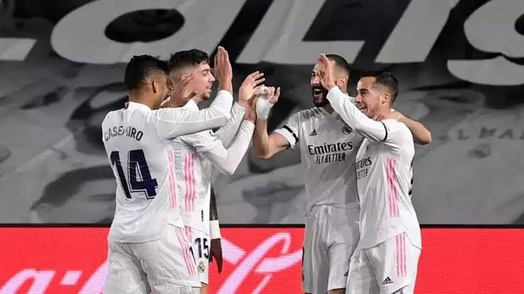 للرحيل .. نجم ريال مدريد يتلقي ثلاثة عروض مغرية